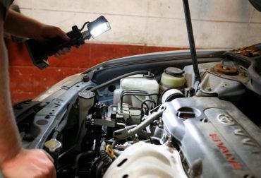 bz401-5-LED-Work-Light-Car-Mechanic-Under-Hood